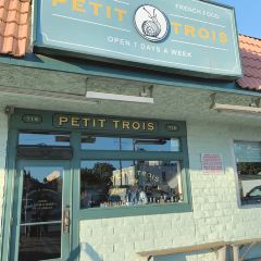 Petit Trois User Photo