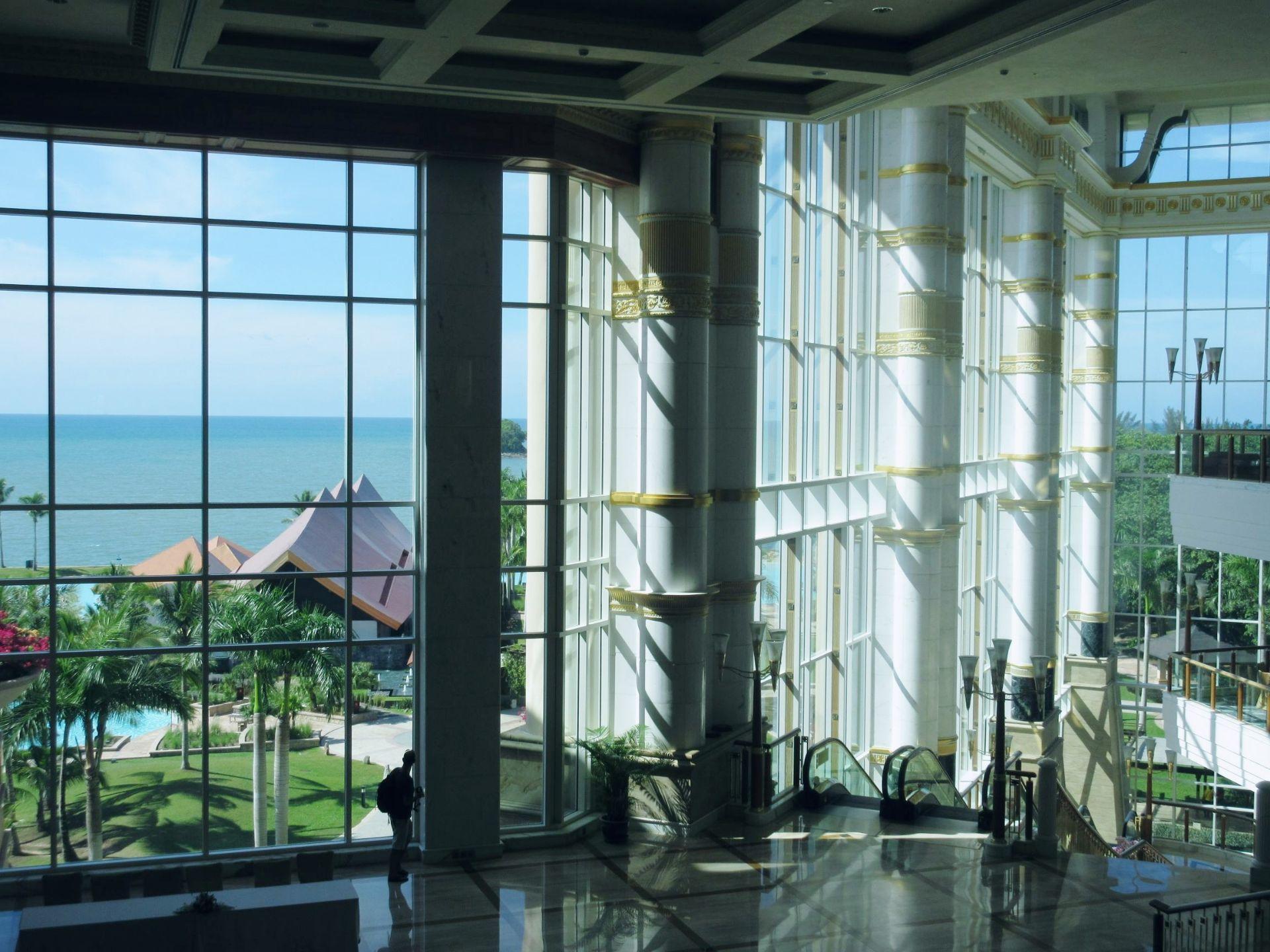 帝國酒店海灘