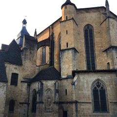 Cathedrale Saint-Sacerdos用戶圖片