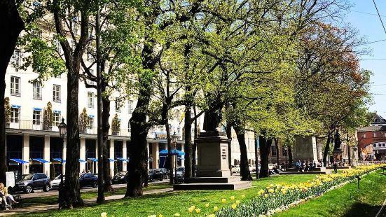Promenadeplatz