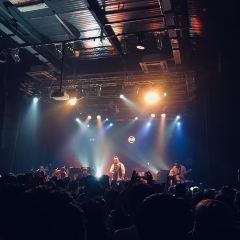 B10 Live User Photo