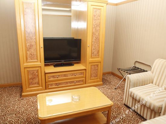 北京外國專家大廈(Foreign Experts Building)兩室一廳公寓A