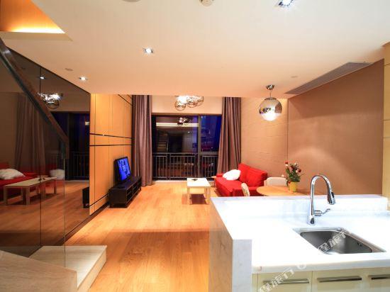 星倫保利中匯國際公寓(廣州火車東站店)(原倫凱保利國際公寓)豪華浪漫復式套房