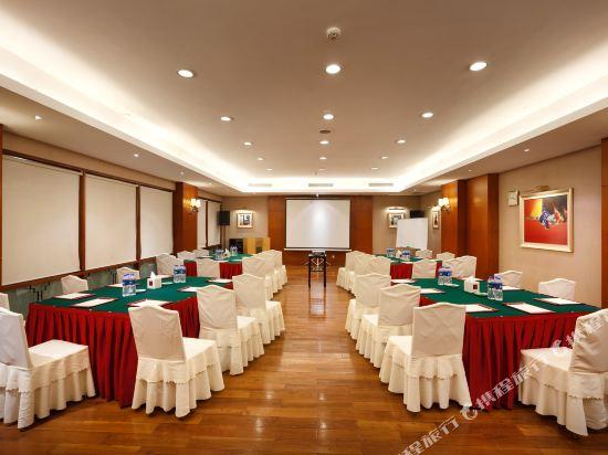 三正半山酒店(東莞橋頭店)(Goodview Hotel (Dongguan Qiaotou))會議室