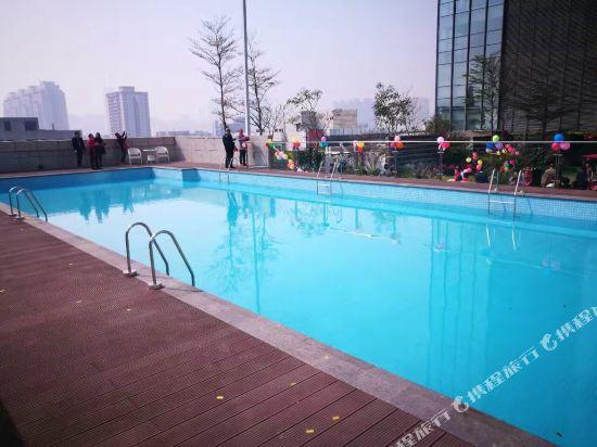 佛山友和酒店式服務公寓(Yuwa Residences & Hotel)室外游泳池