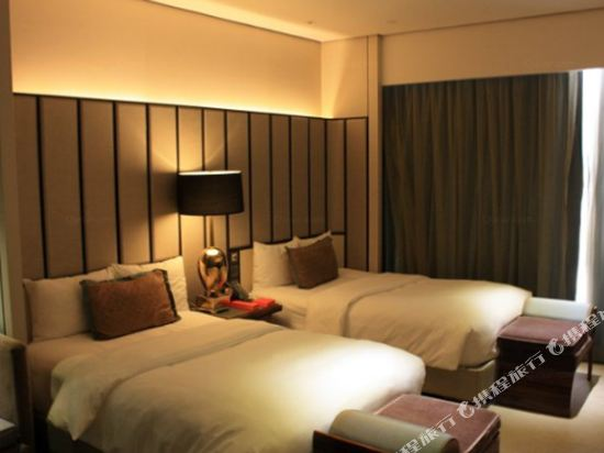 香港麗思卡爾頓酒店(The Ritz-Carlton Hong Kong)聯通豪華四人房