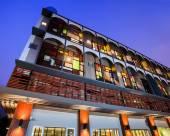 阿迪麥爾吞武裏酒店