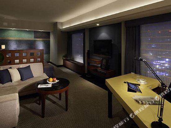 大阪麗嘉皇家酒店(Rihga Royal Hotel)總統塔翼-套房(雙床)