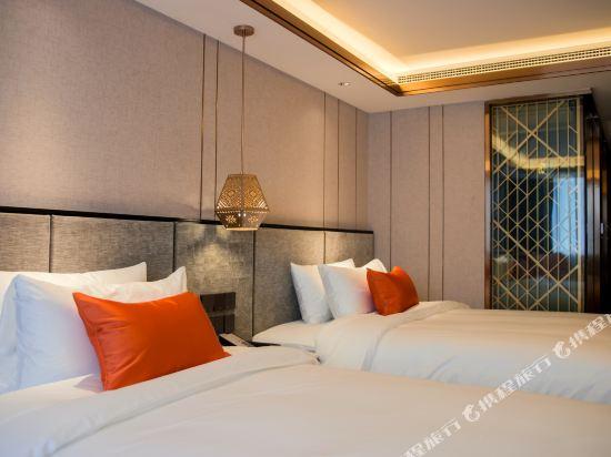 和頤至尊酒店(上海南京路步行街店)(Yitel Premium (Shanghai Nanjing Road Pedestrian Street))至尊高級雙床房