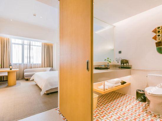 喜悅門酒店(佛山樂從傢俱城店)(Ceramik Hotel (Foshan Lecong Furniture City))優選大床房