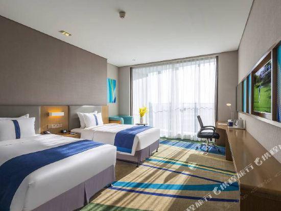 杭州東站智選假日酒店(Holiday Inn Express Hangzhou East Station)高級雙床房