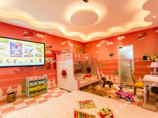 鮮住精品主題酒店(廣州野生動物園店)(原大石地鐵站店)(Xianzhu Boutique Theme Hotel (Guangzhou Wildlife Zoo))主題三床房