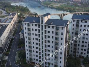 資興湖韻雅居家庭公寓