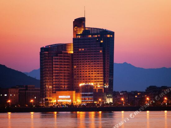 Fuyang International Trade Center Hotel