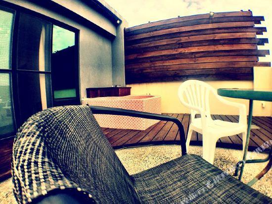 墾丁水漾會館(Aqua Hostel)歐式公主房