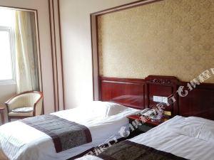 德欽鴻運假日酒店