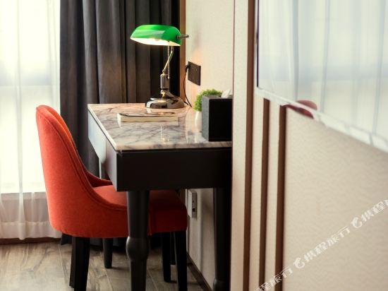 和頤至尊酒店(上海南京路步行街店)(Yitel Premium (Shanghai Nanjing Road Pedestrian Street))至尊大床房