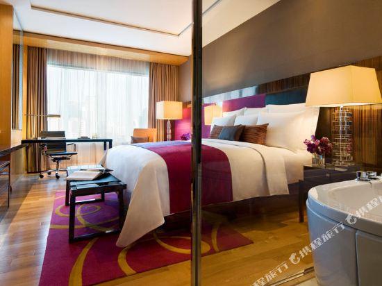 曼谷拉差阿帕森購物區萬麗酒店(Renaissance Bangkok Ratchaprasong Hotel)家庭房