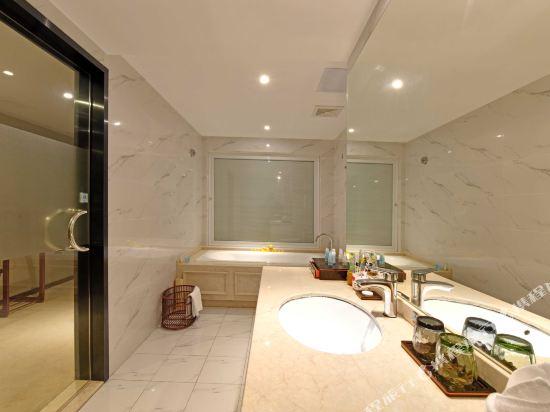 薩維爾金爵·鹿安酒店(上海國際旅遊度假區浦東機場店)(Savile Knight Lu'an Hotel (Shanghai International Tourism and Resorts Zone Pudong Airport))粉紅豬豬打呼嚕主題親子房