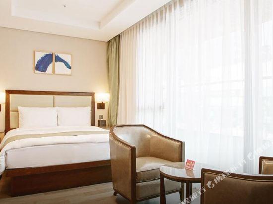 釜山斯坦福酒店(Stanford Inn Busan)陽台大床房