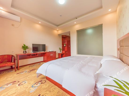 昆明陽光大酒店(原伴山境悅觀景酒店)(Yang Guang Da Jiu Dian)特價大床房