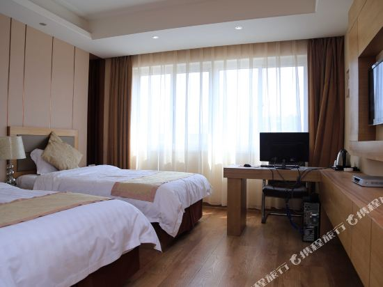Jiatai Chain Business Motel (Zhuanghe)
