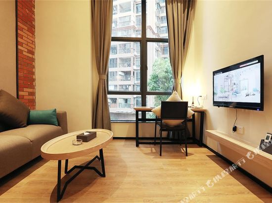 熹時代loft精品酒店(深圳北站店)(Xi Times Loft Boutique Hotel (Shenzhen North Railway Station))豪華loft大床房