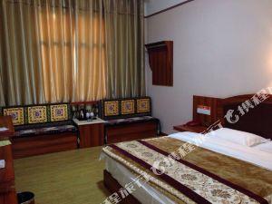 迪慶駝峰酒店