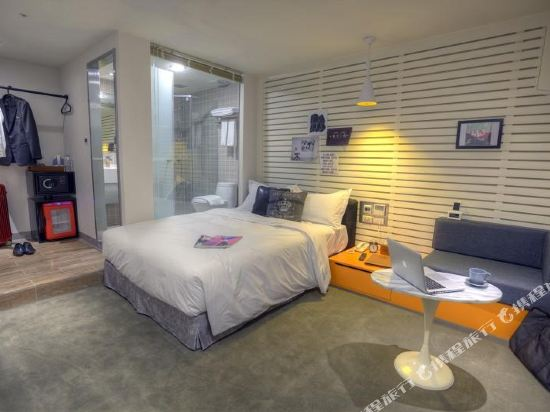 台北二十輪旅店-西門館(Swiio Hotel)高級客房雙人房(無窗)