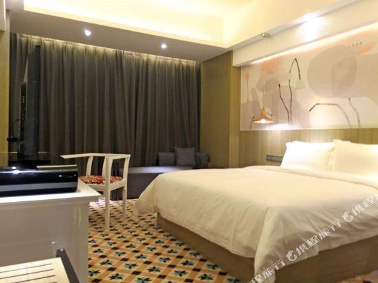 柏高酒店(廣州天河北天平架地鐵站店)(Paco Hotel (Guangzhou Tianhebei Tianpingjia Metro Station))奢華大床房