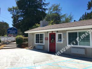 蒙特里佩利肯旅客之家(Pelican Inn Monterey)