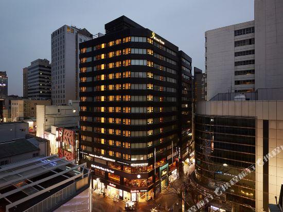 九棵樹酒店(Nine Tree Hotel Myeongdong)外觀