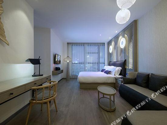 桔子酒店·精選(昆明翠湖店)(Orange Hotel Select (Kunming Green Lake))滇池映像