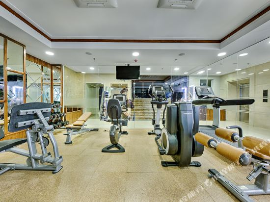 峴港海灘巴利斯德利酒店(Paris Deli Danang Beach Hotel)健身娛樂設施