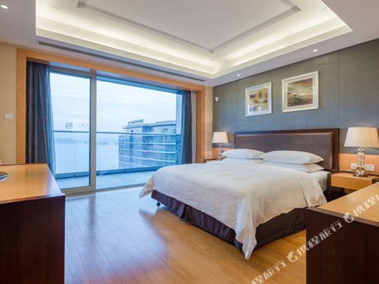 千島湖綠城度假酒店(1000 Island Lake Greentown Resort Hotel)五號樓湖景豪華套房
