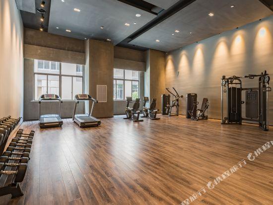 上海智微世紀麗呈酒店(REZEN HOTEL SHANGHAI ZHIWEI CENTURY)健身房