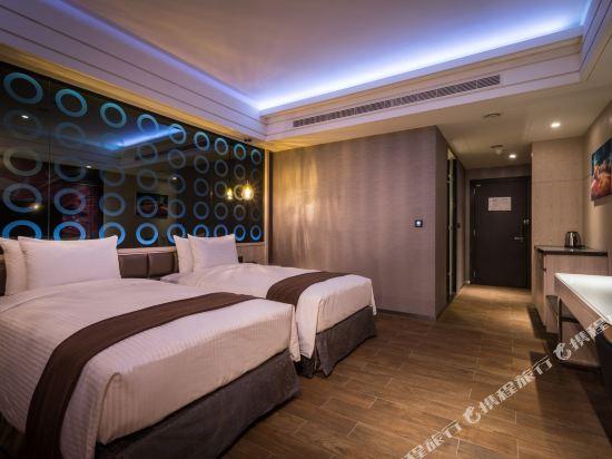 台中星動銀河旅站(Moving Star Hotel)愛火客房