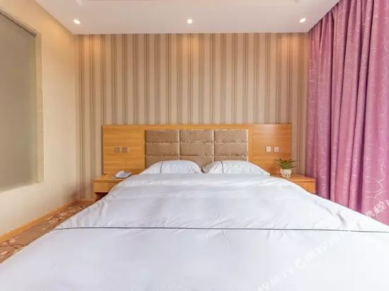 昆明伴山境悅觀景酒店(Ban Shan Jin Yue Guan Jing Jiu Dian)特價大床房