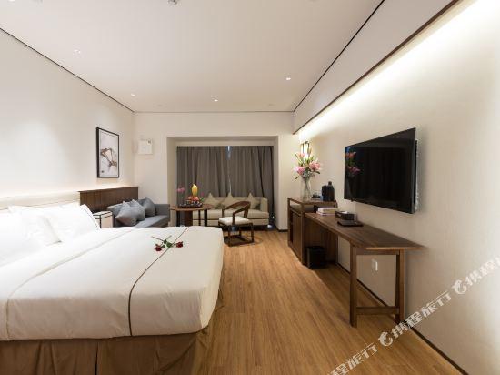 佛山順德美的總部華軒裏酒店(H'ELite Hotel)商務大床房