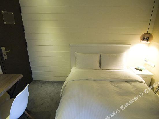 豐居旅店(台北西門館)(Via Hotel)經濟探索居淋浴雙人房