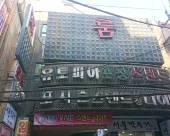 釜山氛圍汽車旅店