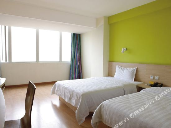 7 Days Inn (Chongqing Wanzhou Gaosuntang Center)