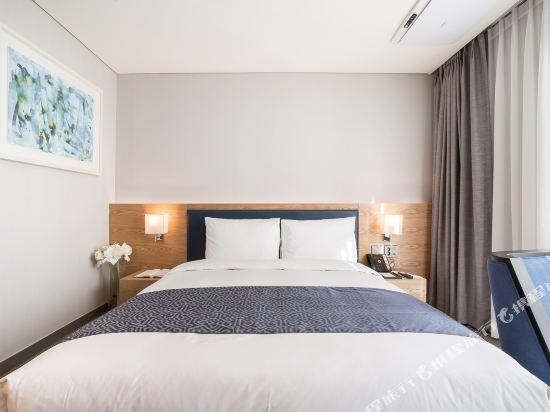 森圖姆尚品酒店(Centum Premier Hotel)豪華大床房