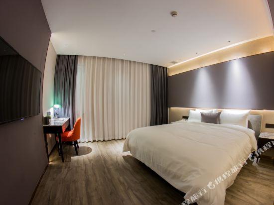 和頤至尊酒店(上海南京路步行街店)(Yitel Premium (Shanghai Nanjing Road Pedestrian Street))至尊商務大床房(無窗)