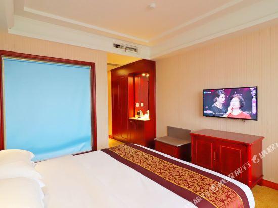 維也納酒店(上海浦東機場店)(Vienna Hotel (Shanghai Pudong Airport))特價大床房(無窗)