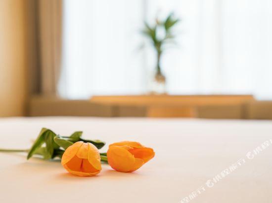 宿適輕奢酒店(上海大世界地鐵站店)(Sushe Qingshe Hotel (Shanghai Dashijie Metro Station))輕奢高級雙床房