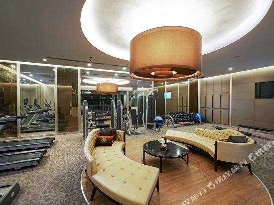 中間點曼達林大酒店(Mandarin Hotel Managed by Centre Point)健身房