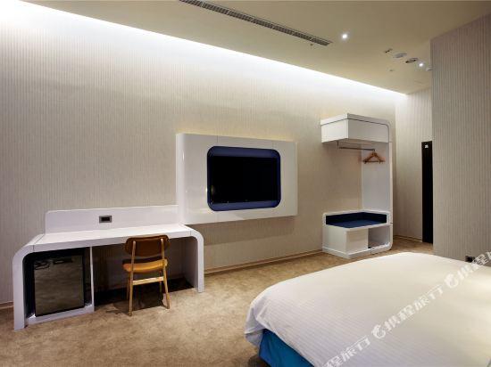 頭等艙飯店(台中綠園道館)(Airline Inn Taichung Green Park Way)豪華客房