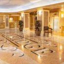 克拉里奇酒店(The Claridge Hotel)