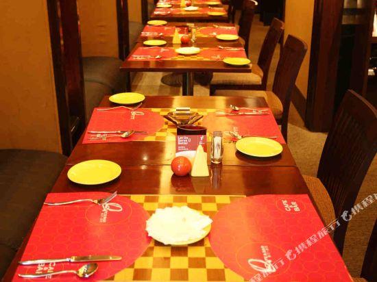 深圳999丹楓白露酒店(999 Royal Suites & TowersShenzhen)咖啡廳